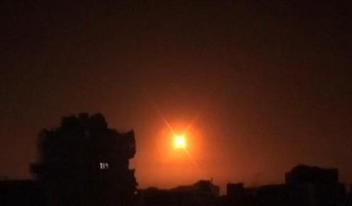 israel tien hanh khong kich cac muc tieu tai syria va gaza