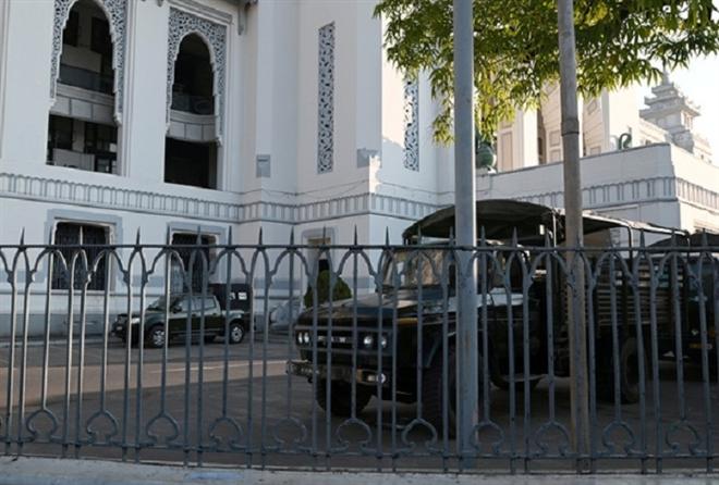 Đảo chính ở Myanmar: Quân đội chiếm tòa thị chính Yangon  - 1