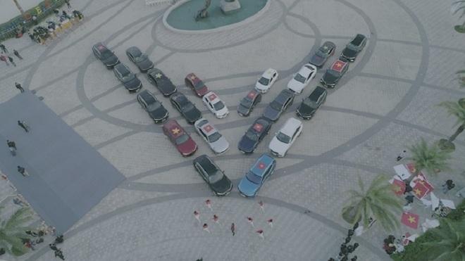 Vì sao mẫu xe điện tự hành của VinFast trở thành tâm điểm giới bình xe quốc tế? - 3