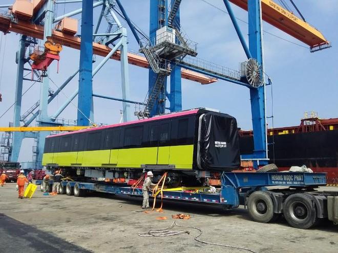 Đoàn tàu thứ hai tuyến metro Nhổn- Ga Hà Nội cập cảng Hải Phòng ảnh 2