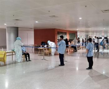 Thêm hai nhân viên Tân Sơn Nhất nghi nhiễm nCoV