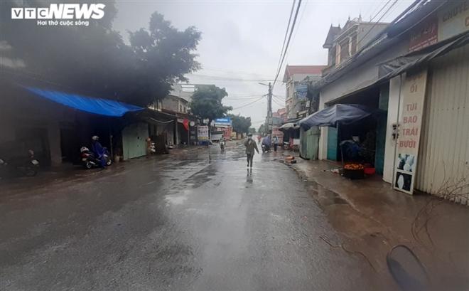 Hưng Yên phong tỏa xã hơn 14.000 dân, giãn cách xã hội 2 huyện - 1