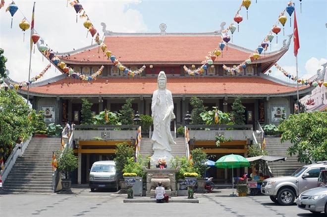 7 ngôi chùa linh thiêng thích hợp cầu an đầu năm tại TP.HCM - 1