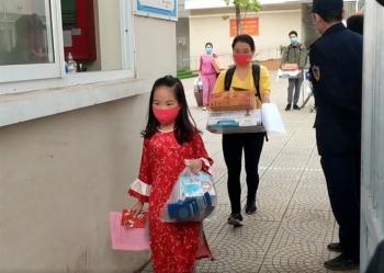 Xúc cảm đặc biệt của học sinh trường Xuân Phương khi hết cách ly ngày mùng 3 Tết