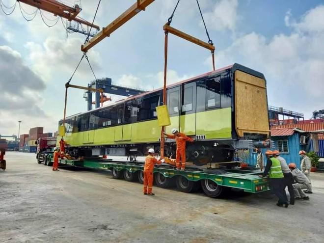 Đoàn tàu thứ ba đường sắt Nhổn-Ga Hà Nội về Việt Nam ảnh 1