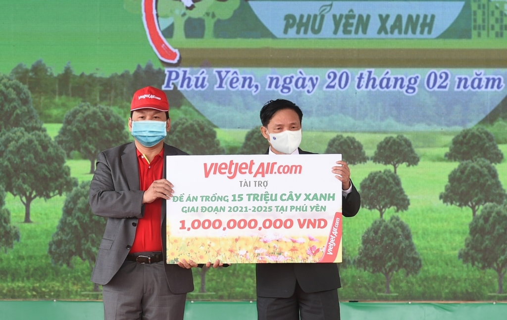 vietjet dong hanh cung le phat dong tet trong cay 2021
