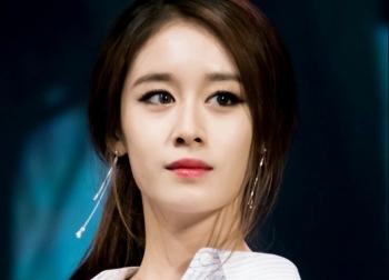 Nữ thần tượng Hàn bị dọa giết