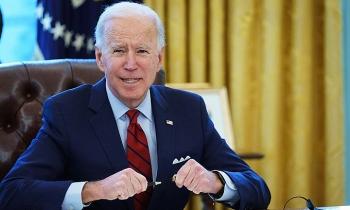 Cuộc chiến đề cử phơi bày thách thức với Biden