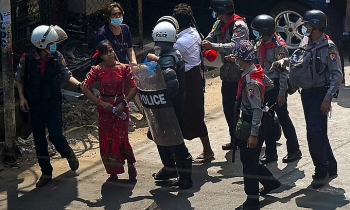 Cảnh sát Myanmar bắn chết 4 người biểu tình