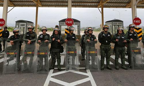 Mỹ trừng phạt các sĩ quan Venezuela tham gia ngăn hàng viện trợ