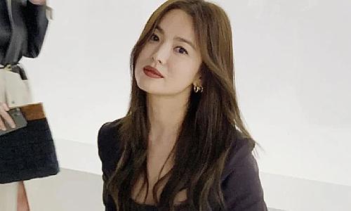 Song Hye Kyo, IU bị yêu cầu tự cách ly