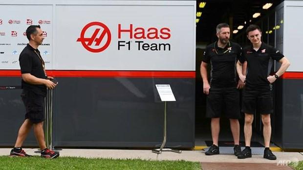 Cách ly ba thành viên tham gia giải đua xe F1 tại Australia