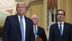 Sóng ngầm sau gói kích thích kinh tế của Trump