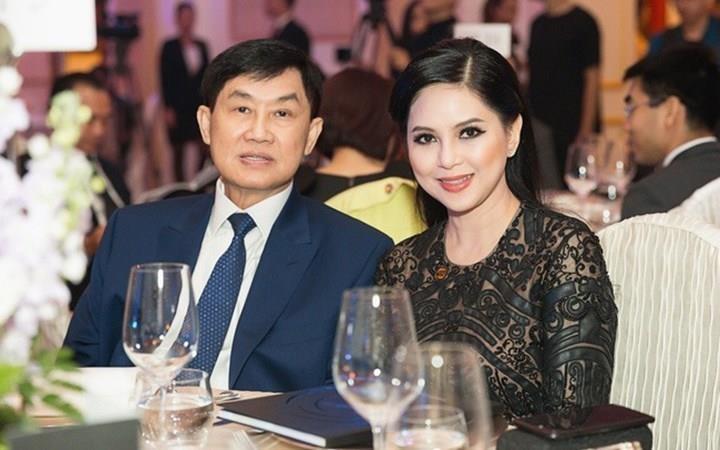 Vợ chồng ông Johnathan Hạnh Nguyễn tiếp tục góp 30 tỷ đồng chống Covid-19