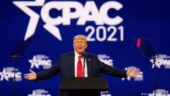 Lần đầu xuất hiện sau mãn nhiệm, ông Trump khẳng định gắn bó với đảng Cộng hoà