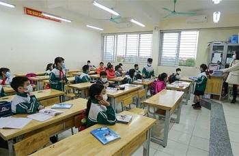 Xúc cảm đặc biệt của học sinh trường Tiểu học Xuân Phương ngày trở lại trường