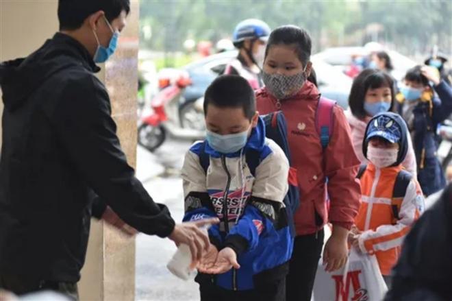 Xúc cảm đặc biệt của học sinh trường Tiểu học Xuân Phương ngày trở lại trường - 2
