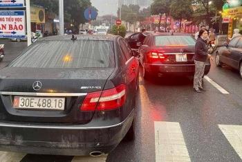 """Từ việc 2 xe Mercedes cùng biển số """"chạm mặt"""": Xe dùng biển giả bị xử lý ra sao?"""