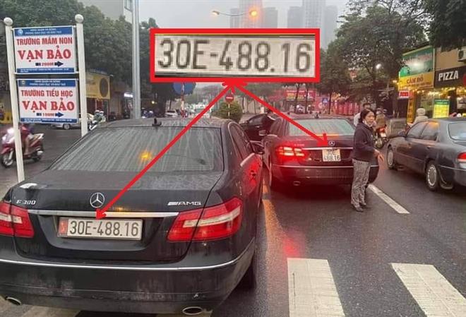 hai xe mercedes bien so giong het nhau mot chu xe chua xuat trinh duoc giay to
