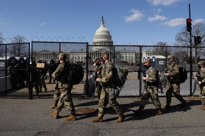 Cảnh sát đồi Capitol 'nhờ' Vệ binh Quốc gia Mỹ gác thêm 2 tháng - 1