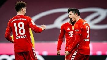 Lewandowski ghi hat-trick vào lưới Dortmund
