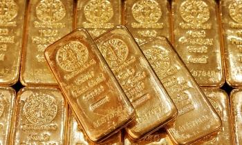 Giá vàng thế giới xuống đáy 9 tháng, chứng khoán Mỹ lập đỉnh