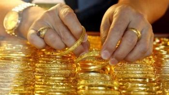Vàng SJC mất mốc 55 triệu đồng/lượng, người mua ngày Vía Thần tài lỗ nặng