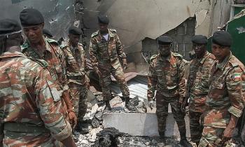 Gần 100 người chết trong vụ nổ kho đạn vì đốt rạ
