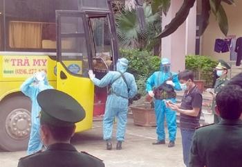 Nghệ An: Phát hiện xe khách chở 53 người nghi nhập cảnh trái phép vào Việt Nam
