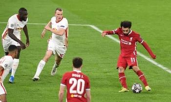 Salah và Mane đưa Liverpool vào tứ kết