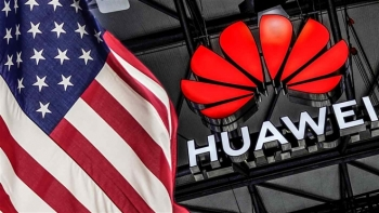 Chính quyền Biden tiếp tục mạnh tay với gã khổng lồ công nghệ Huawei