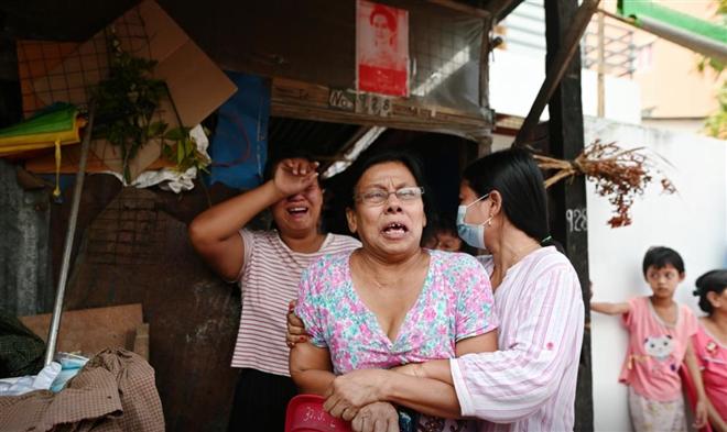 Thêm 12 người chết trong biểu tình ở Myanmar - 1