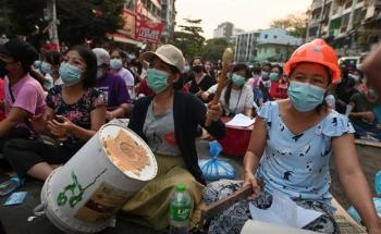 Myanmar: Quân đội thiết quân luật, nhà máy do Trung Quốc đầu tư bị đốt