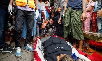 Gần 60 người chết trong một ngày biểu tình ở Yangon