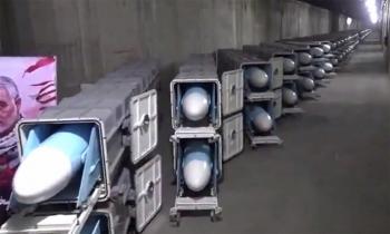 """Iran khoe """"thành phố tên lửa"""" ngầm"""