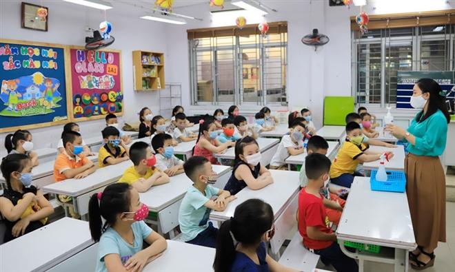 Bỏ hai bộ SGK không thông báo: Giáo viên bị động, lo lắng cho năm học tới - 1