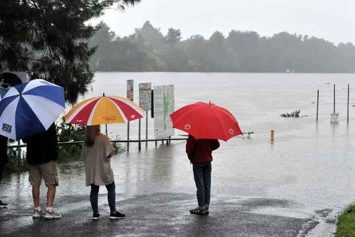 Australia đối mặt với đợt lũ lụt kinh hoàng nhất trong 60 năm