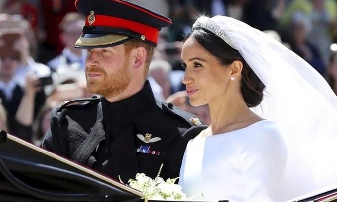 Harry - Meghan thừa nhận không bí mật làm đám cưới