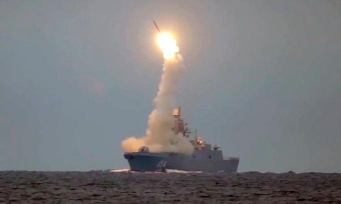 """Tên lửa siêu vượt âm Nga bắn """"bách phát bách trúng"""""""