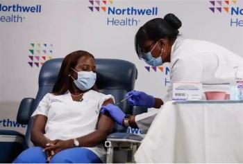 Mỹ khẳng định vaccine Pfizer, Moderna hiệu quả 90% sau 2 mũi