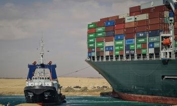 Dù kênh Suez được thông, chuỗi cung ứng vẫn sẽ tắc nghẽn nhiều tháng