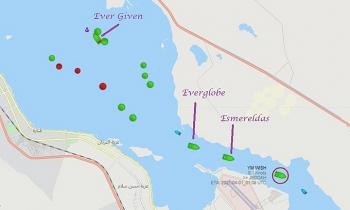Tàu đầu tiên đi qua kênh Suez sau sự cố