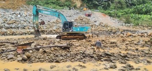 6 ngày đào 30.000 khối đất vẫn không thấy 11 công nhân còn mất tích ở Rào Trăng
