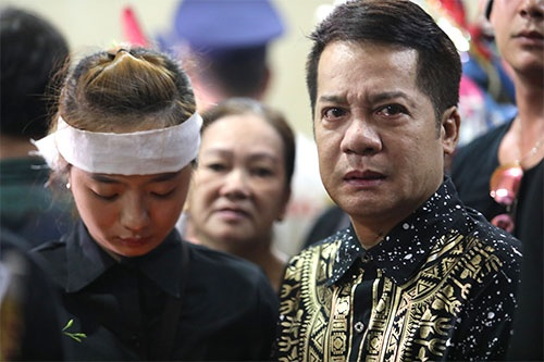 dong nghiep gia dinh tien biet anh vu