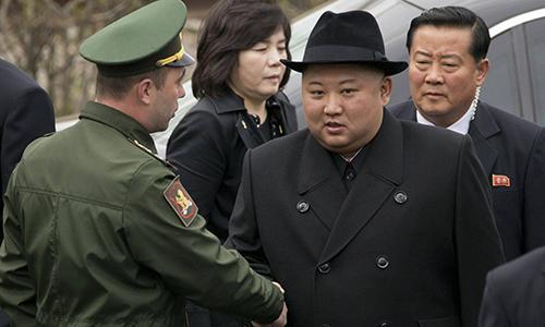 kim jong un bat ngo cat ngan chuyen tham nga