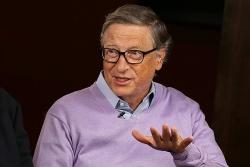 Bill Gates: Không có đũa thần nào ngoài vaccine giúp kinh tế hồi phục