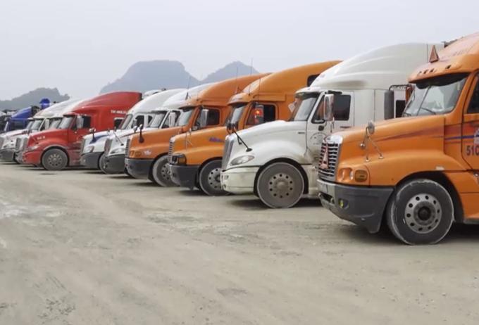 2.600 xe hàng ùn tắc ở Lạng Sơn