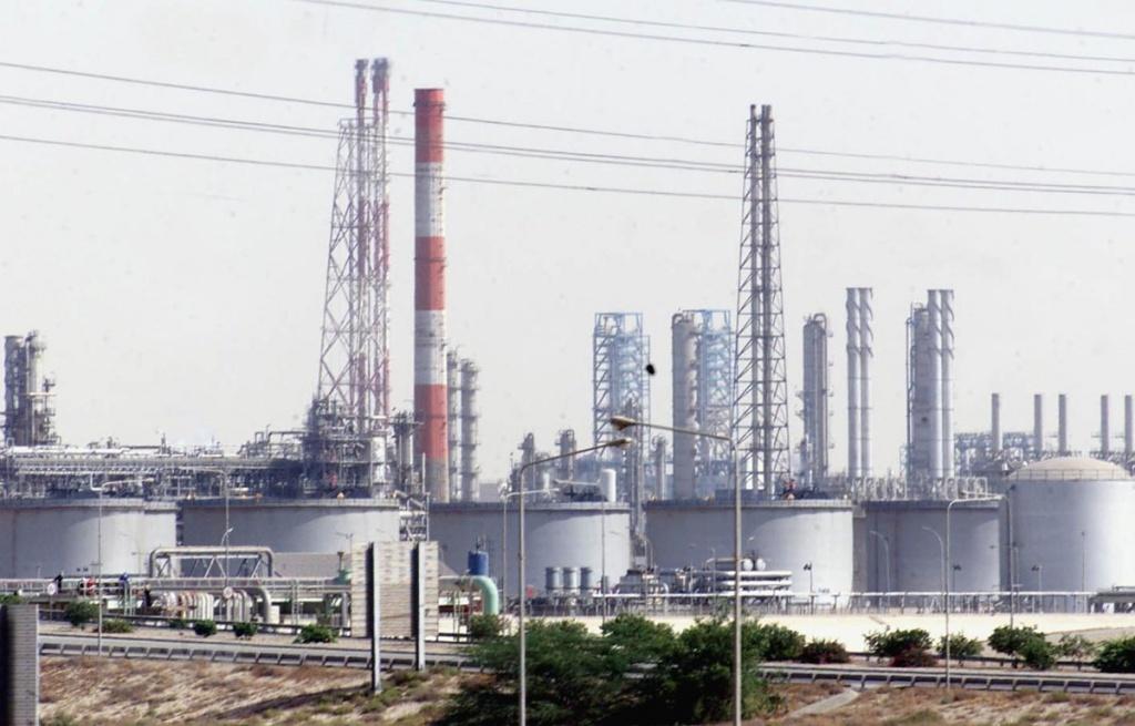 OPEC+ đạt thỏa thuận cắt giảm 9,7 triệu thùng dầu mỗi ngày