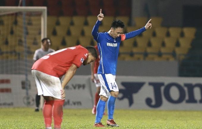 Vì sao cầu thủ Quảng Ninh chịu đựng 8 tháng không lương?
