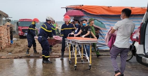 Sập giàn giáo công trình ở Bắc Ninh, 2 công nhân thiệt mạng